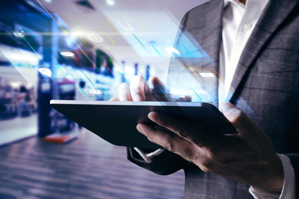 Leading Sales Transformation With Online Commerce